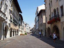 Pordenone. La Milano del Nord est Italiano2