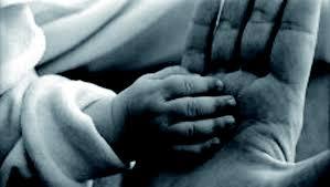 Fare i genitori è un mestiere difficile specie ai nostri giorni dove sono aumentate le esigenze, le aspettative, ma anche fare i figli è doloroso, difficile, stancante. Il problema è […]