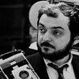 L'ultimo lavoro del regista Kubrick è il famoso film ricco di suspanse Eyes wide shut , ispirato al romanzo doppio sogno,in cui troviamo come protagonista l'attore Tom Cruise e la […]