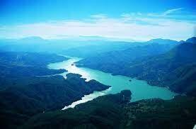 Il lago artificiale del Salto